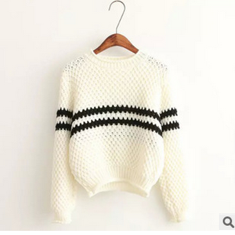 A new winter round collar knit shirt long sleeve joker, backing knitting a sweater QDR