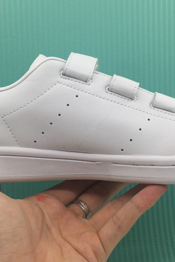 Minimal White Trainers With White Velcro Straps Closure