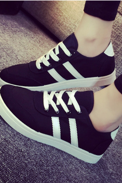 A new low for small white canvas shoes, leisure shoes students cloth shoes